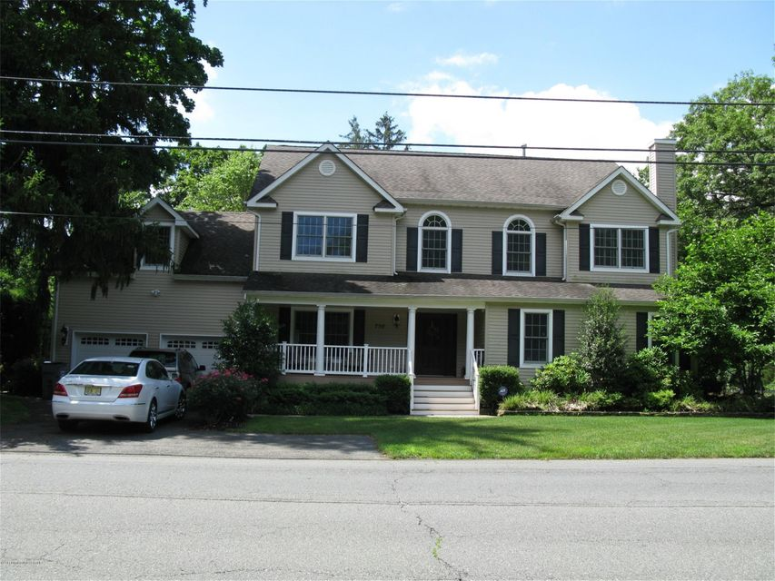 Maison unifamiliale pour l Vente à 730 Kings Highway Atlantic Highlands, New Jersey 07716 États-Unis