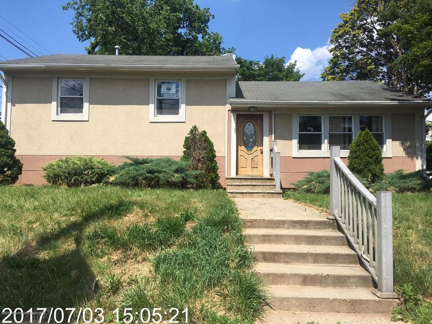 Single Family Home for Sale at 17 Edgeworth Place New Brunswick, New Jersey 08901 United States