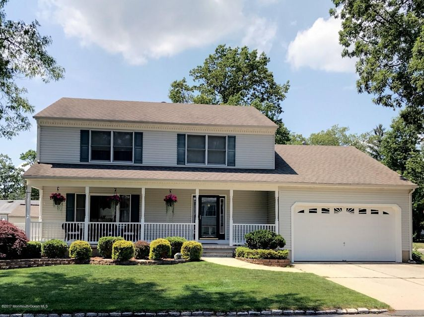 Single Family Home for Sale at 636 Berkeley Avenue Beachwood, New Jersey 08722 United States