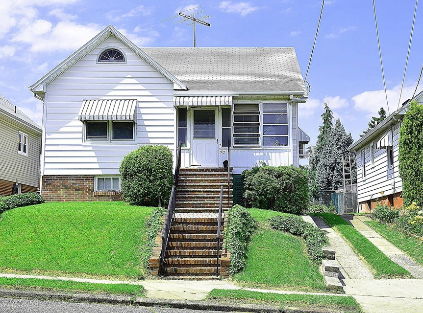 Single Family Home for Sale at 32 Pulawski Avenue South River, New Jersey 08882 United States