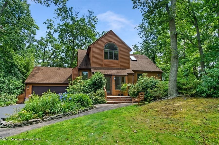 Single Family Home for Sale at 14 Summit Road 14 Summit Road Neptune, New Jersey 07753 United States