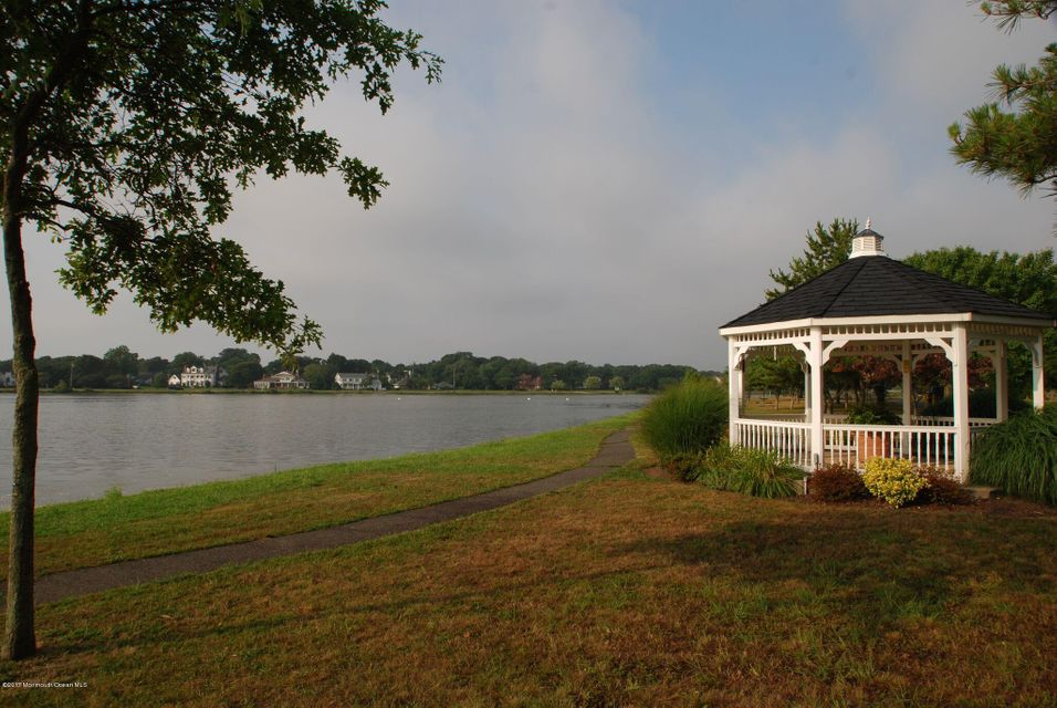 Additional photo for property listing at 400 17th Avenue 400 17th Avenue Lake Como, Nueva Jersey 07719 Estados Unidos