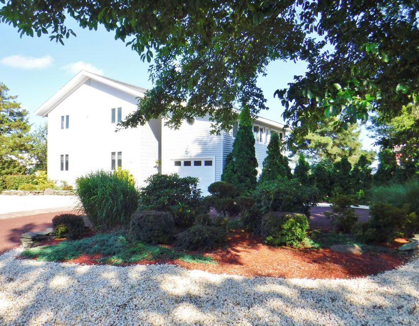 172 Country Club Boulevard, Little Egg Harbor, NJ 08087