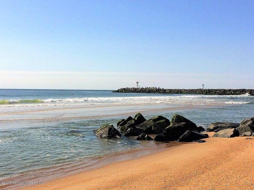 Mansquan Beach