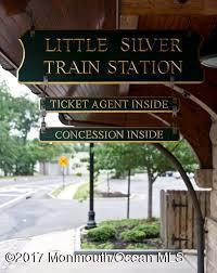 Коммерческий для того Продажа на 14 Church Street 14 Church Street Little Silver, Нью-Джерси 07739 Соединенные Штаты