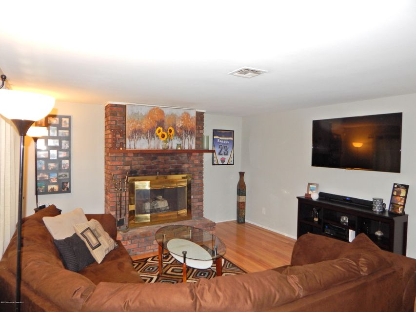 room home for sale at 40 willow avenue in howell nj for 209 000