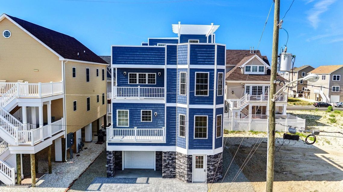 Single Family Home for Sale at 5 Fielder Avenue Ortley Beach, New Jersey 08751 United States