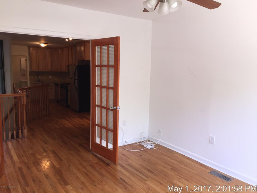 Additional photo for property listing at 79 Crescent Avenue 79 Crescent Avenue Jersey City, New Jersey 07304 États-Unis