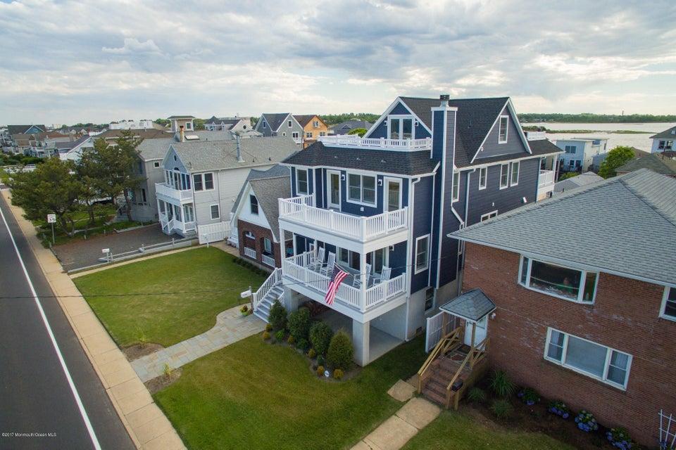 Maison unifamiliale pour l Vente à 522 Ocean Avenue Sea Bright, New Jersey 07760 États-Unis