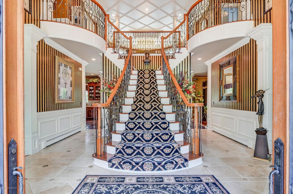 009_Grand Staircase