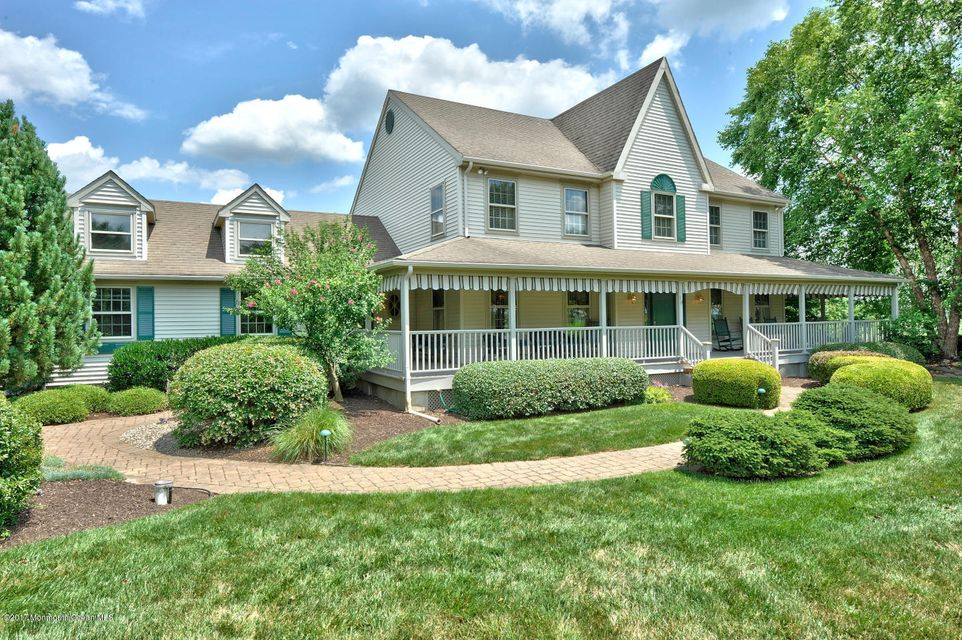 Single Family Home for Sale at 10 Wingate Court Allentown, 08501 United States