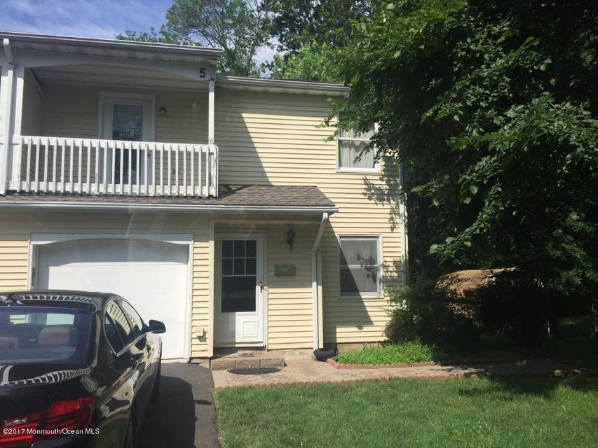 Single Family Home for Sale at 5 Stillwell Road Kendall Park, New Jersey 08824 United States