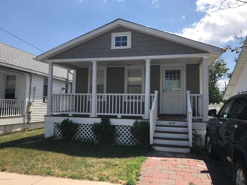 独户住宅 为 出租 在 213 15th Avenue 贝尔玛, 新泽西州 07719 美国