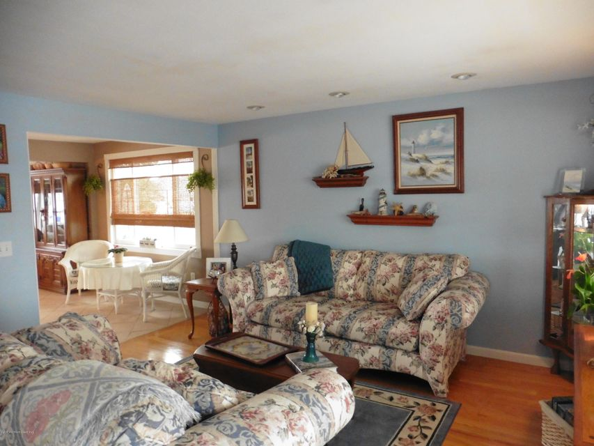 Additional photo for property listing at 2517 Hiering Road 2517 Hiering Road Toms River, 新澤西州 08753 美國