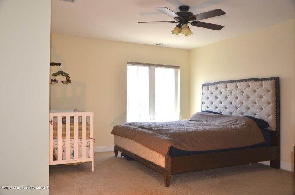 Master Bedroom(13)