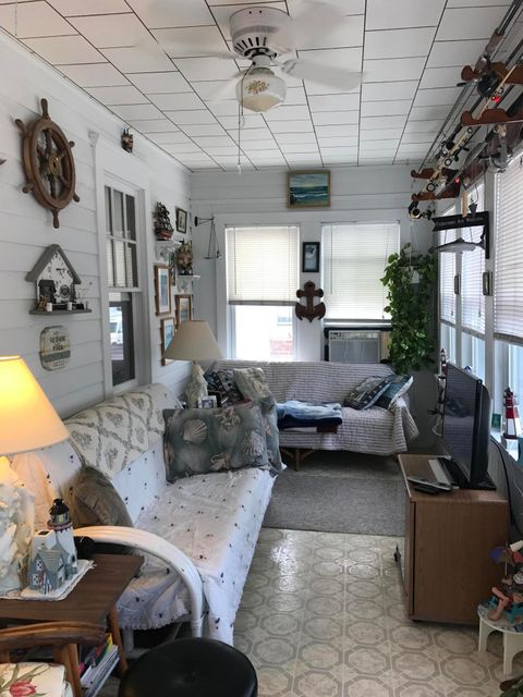 Additional photo for property listing at 23 N Street 23 N Street Seaside Park, New Jersey 08752 Hoa Kỳ