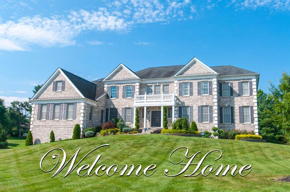 Maison unifamiliale pour l Vente à 2 Windhaven Court 2 Windhaven Court Monroe, New Jersey 08831 États-Unis