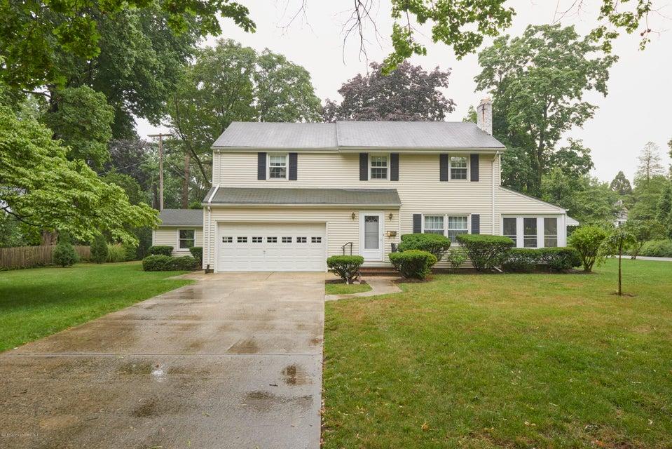 39 Garden Road, Shrewsbury Boro, NJ 07702