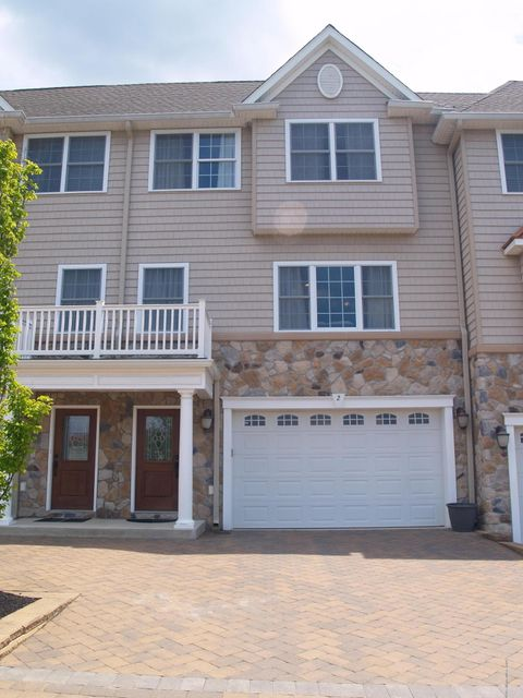 共管式独立产权公寓 为 出租 在 2 White Oak Lane 亚伯丁, 新泽西州 07747 美国