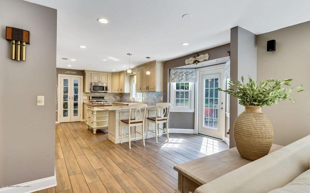 Open floor plan into Kitchen