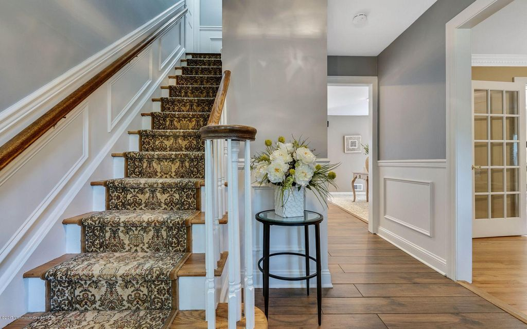 Welcome Home- Foyer