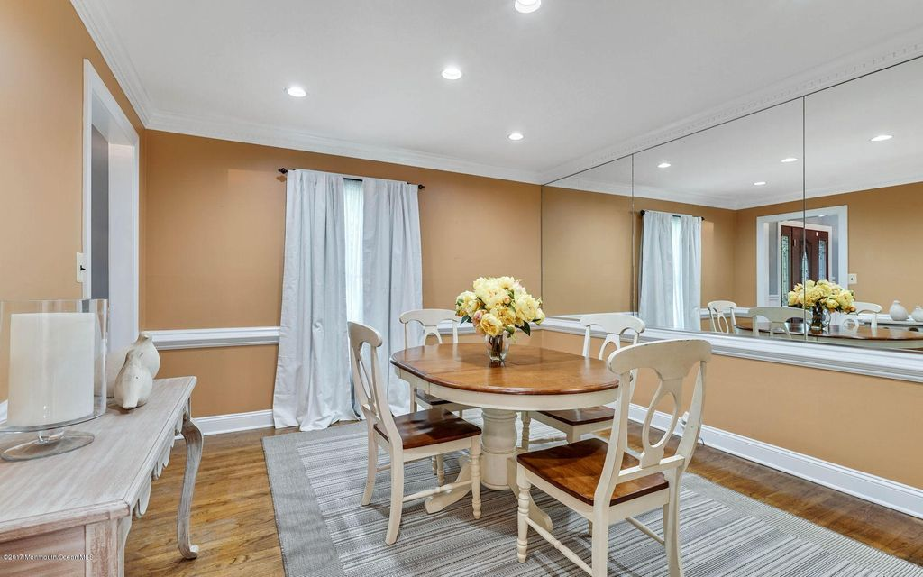 Another Dining room image