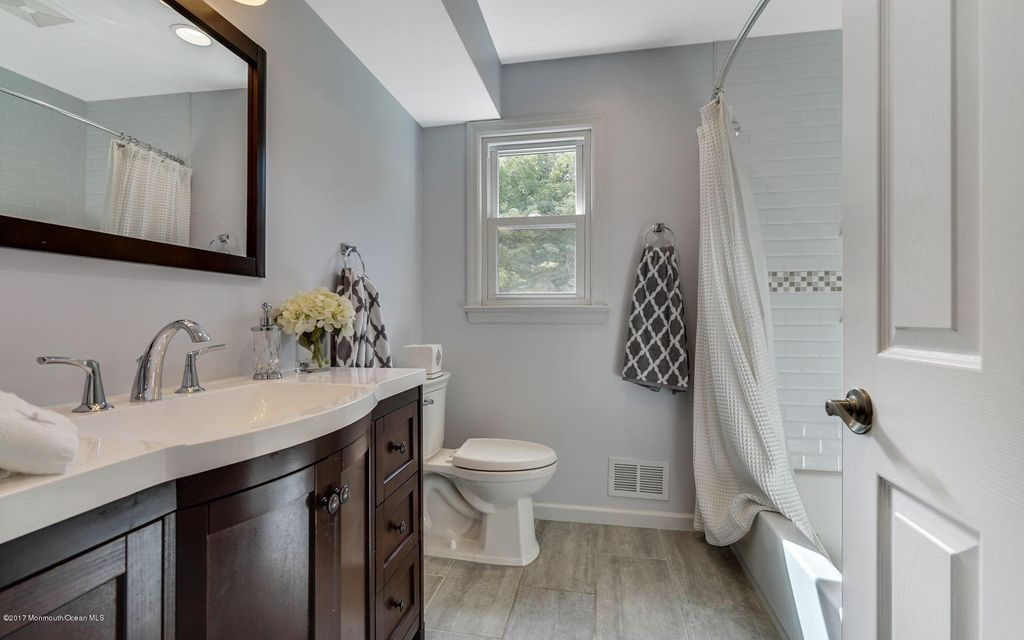 Bathroom on 2nd level