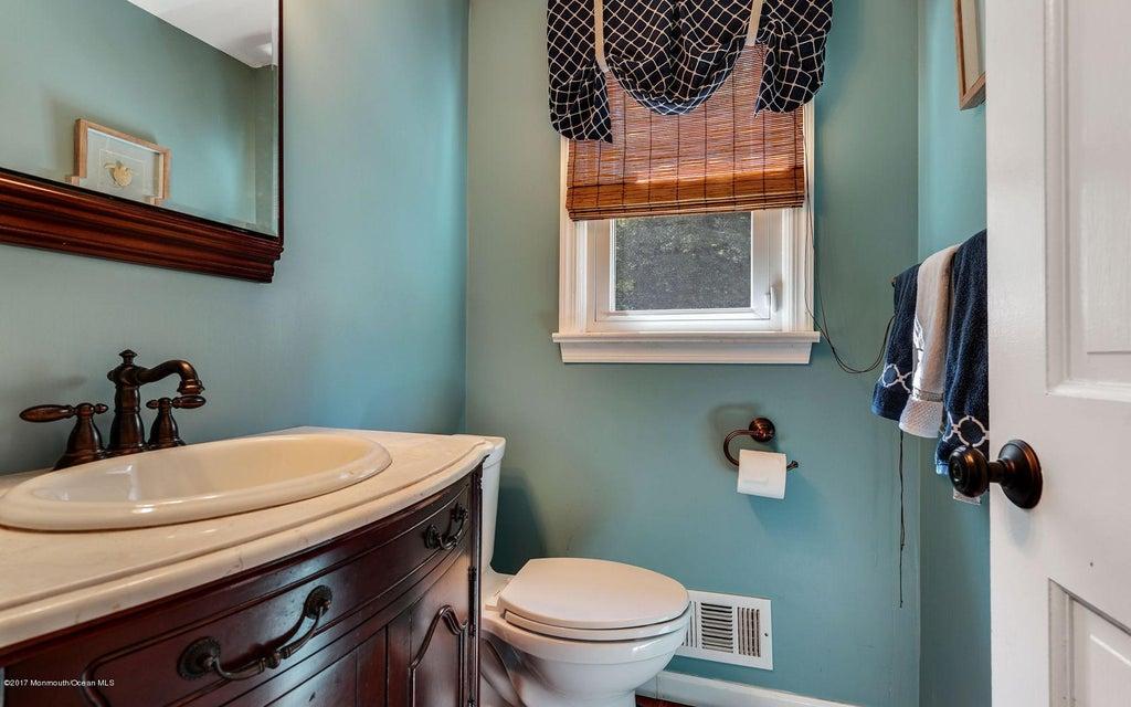 1/2 Bathroom on 1st floor