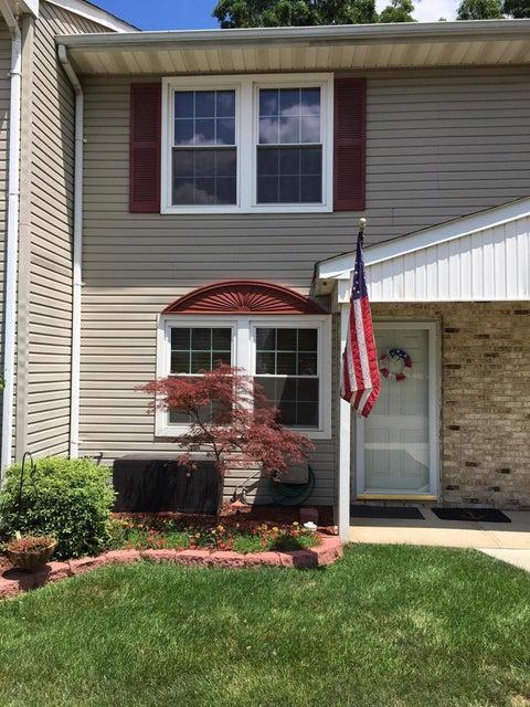 Casa para uma família para Venda às 82 Cliffwood Avenue Cliffwood, Nova Jersey 07721 Estados Unidos