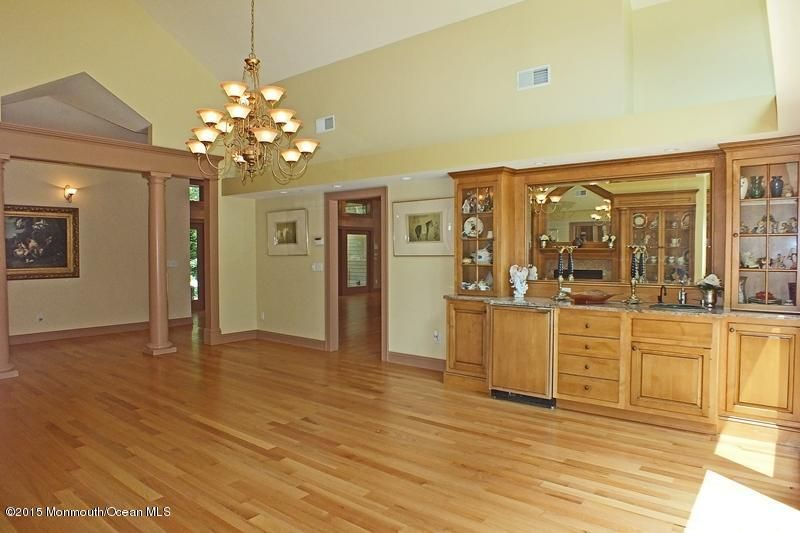 32-Formal Dining Room