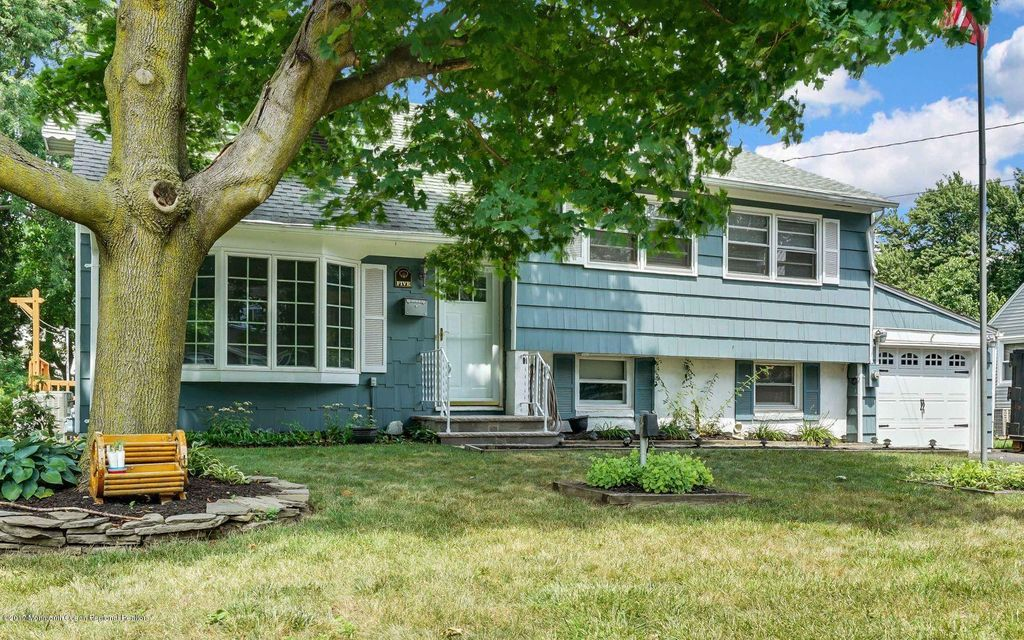 Single Family Home for Sale at 5 Locust Terrace New Monmouth, New Jersey 07748 United States