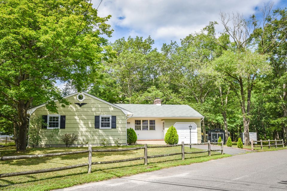 Single Family Home for Sale at 700 Forecastle Avenue Beachwood, New Jersey 08722 United States