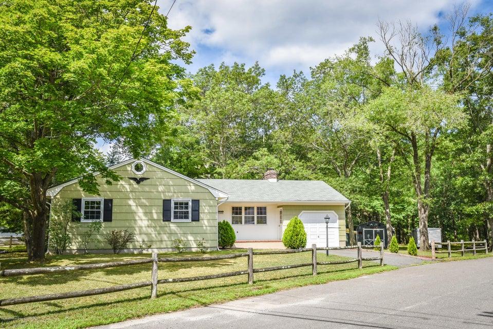 Single Family Home for Sale at 700 Forecastle Avenue Beachwood, 08722 United States