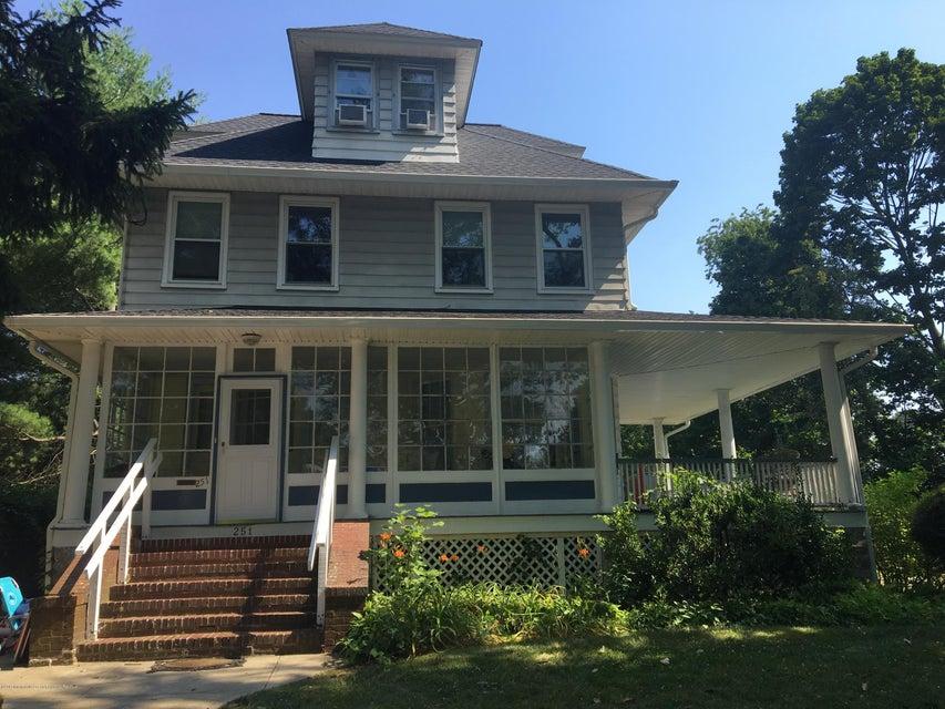 Casa Unifamiliar por un Alquiler en 251 Albert Place 251 Albert Place Elberon, Nueva Jersey 07740 Estados Unidos