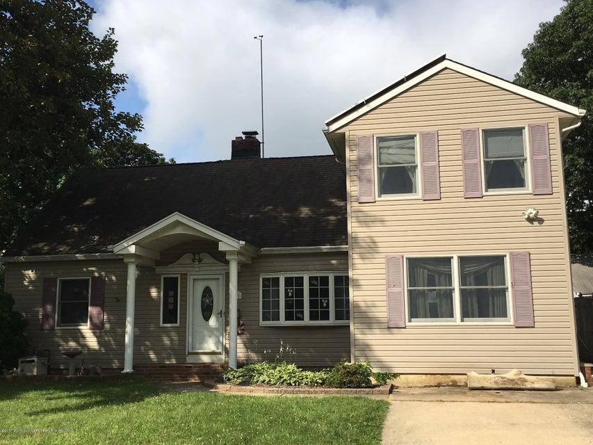 Casa Unifamiliar por un Venta en 18 Edgewater Drive Matawan, Nueva Jersey 07747 Estados Unidos