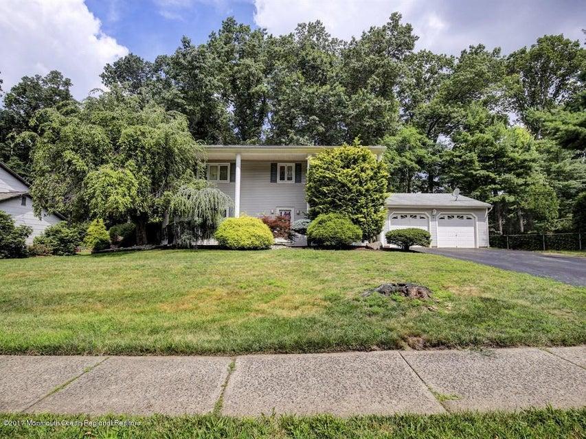 Villa per Vendita alle ore 8 Duncan Drive 8 Duncan Drive Marlboro, New Jersey 07746 Stati Uniti