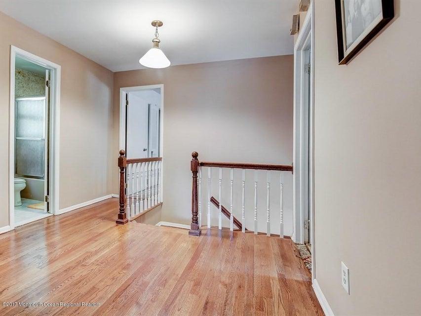 016_2nd Floor Hallway