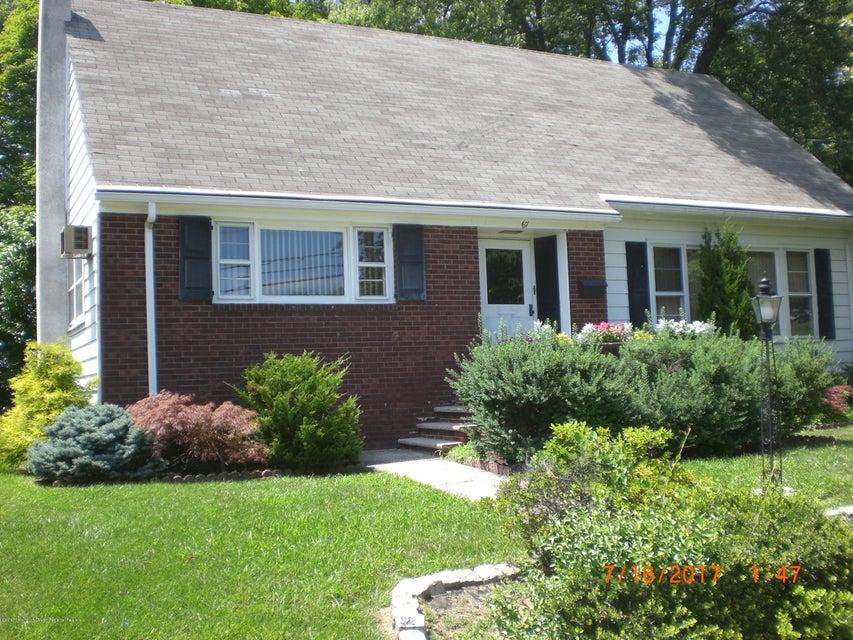 Maison unifamiliale pour l Vente à 67 Pulaski Avenue Sayreville, New Jersey 08872 États-Unis
