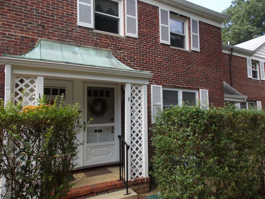 Condominium for Rent at 146 Manor Drive Red Bank, New Jersey 07701 United States