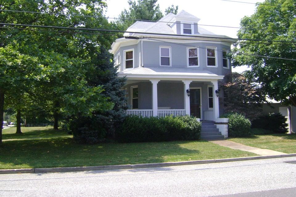 90 Monmouth Road, Oakhurst, NJ 07755