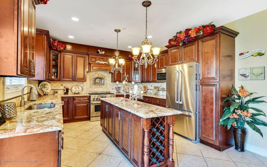 一戸建て のために 売買 アット 16 White Oak Lane Aberdeen, ニュージャージー 07747 アメリカ合衆国