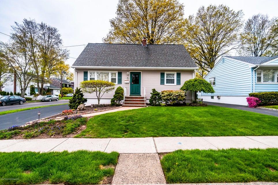 Maison unifamiliale pour l Vente à 101 Elm Street Colonia, New Jersey 07067 États-Unis