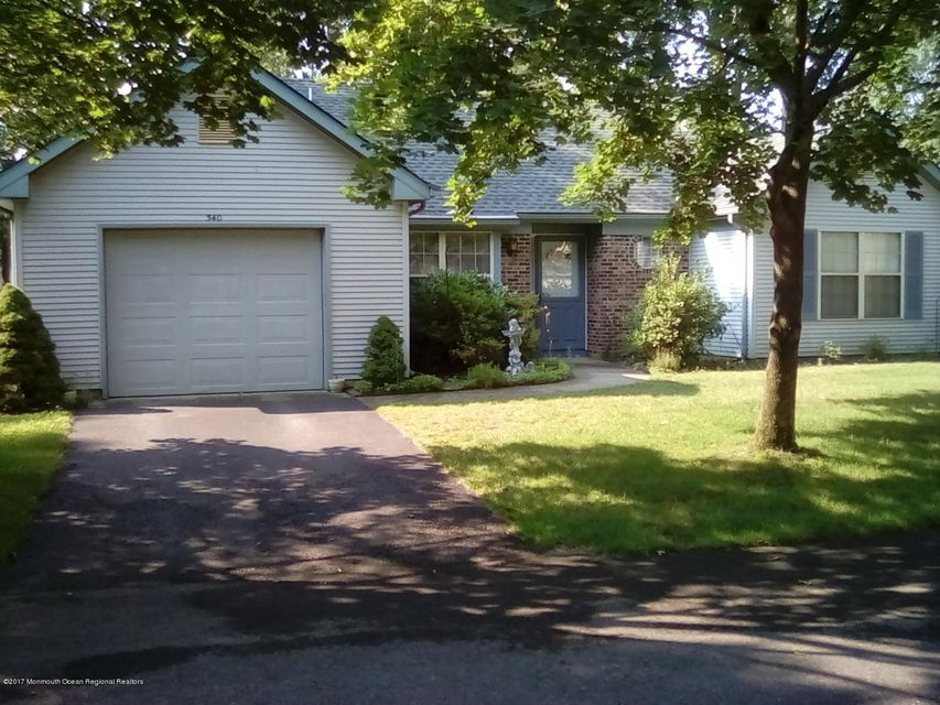 Maison unifamiliale pour l à louer à 540 Petunia Lane Whiting, New Jersey 08759 États-Unis