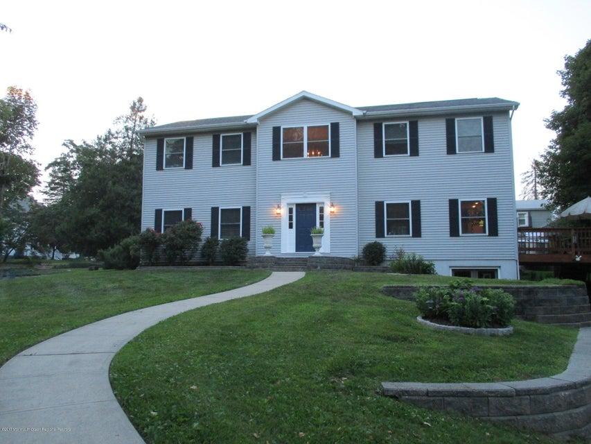 Maison unifamiliale pour l Vente à 148 Concord Avenue 148 Concord Avenue Leonardo, New Jersey 07737 États-Unis