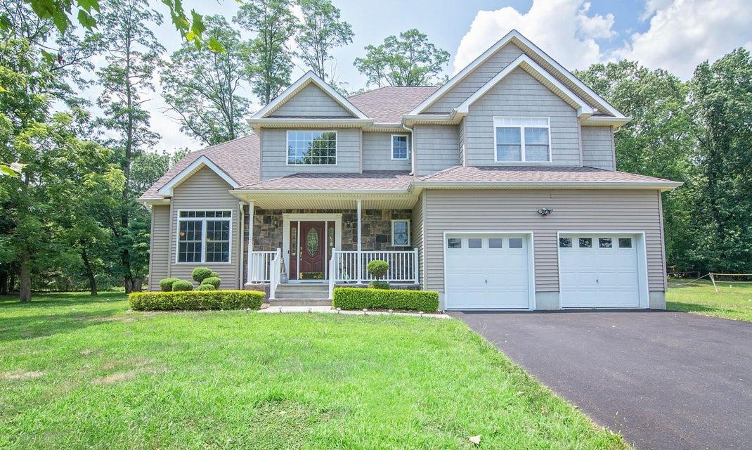 Maison unifamiliale pour l Vente à 16 Fort Plains Road 16 Fort Plains Road Howell, New Jersey 07731 États-Unis