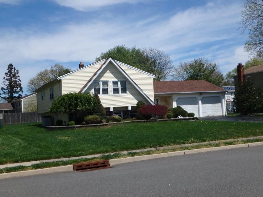 Casa Unifamiliar por un Venta en 7 Matthew Avenue 7 Matthew Avenue Kendall Park, Nueva Jersey 08824 Estados Unidos