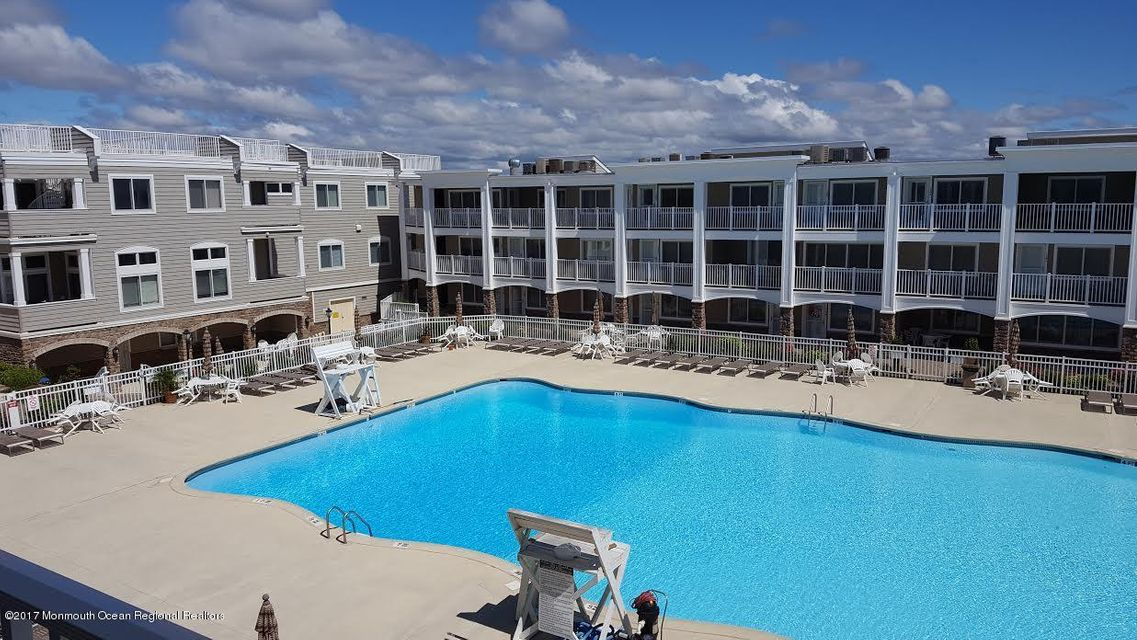 Condominio por un Alquiler en 438 Route 35 Mantoloking, Nueva Jersey 08738 Estados Unidos
