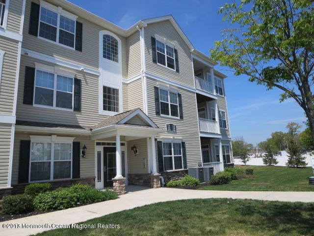 Condominium for Rent at 135 Mill Pond Way Eatontown, New Jersey 07724 United States