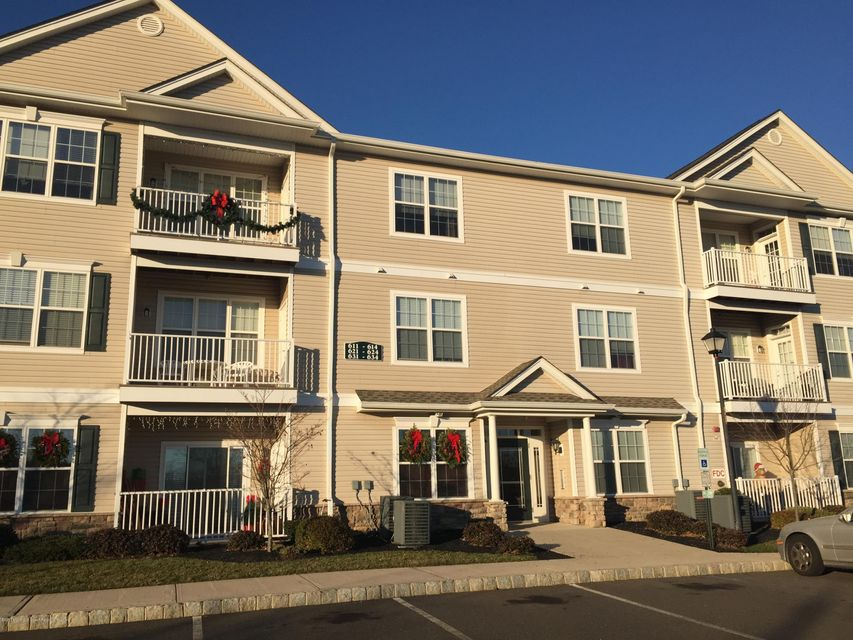 Condominium for Rent at 624 Mill Pond Way Eatontown, New Jersey 07724 United States