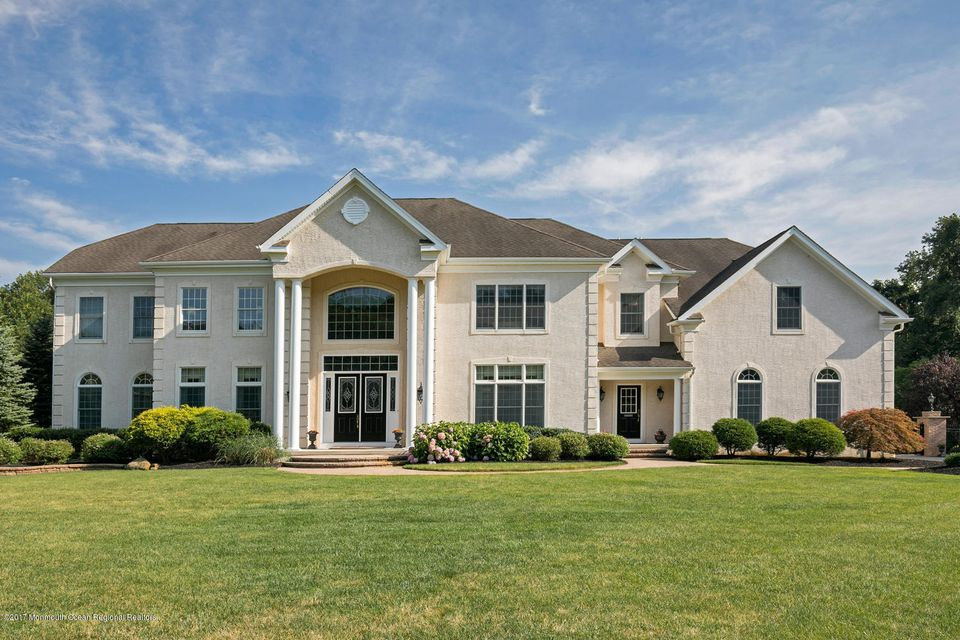 Single Family Home for Sale at 17 Sleepy Hollow Court Upper Freehold, New Jersey 08501 United States
